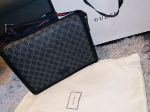 Gucci Flap Messenger Bag for Sale in Orlando, FL