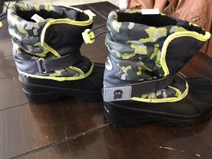 Kids snow boots size 2 for Sale in North Las Vegas, NV