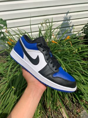 Jordan 1 low Royal Toe for Sale in Round Lake, IL