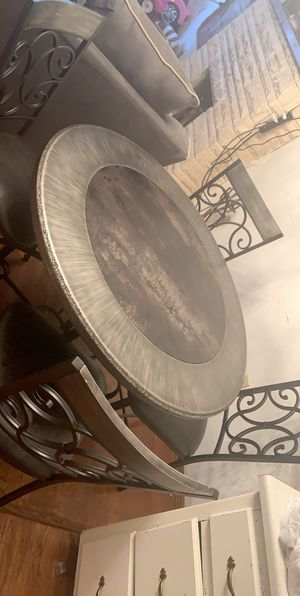 Dinning table for Sale in Fort Wayne, IN