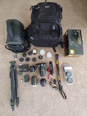 Nikon D5200 DSLR camera w/ 4 lenses, rode mic, 2 camera bags & more for Sale in Las Vegas, NV