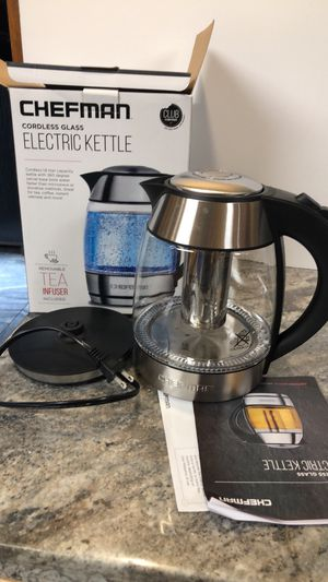 Chefman cordless electric tea kettle coffee pot w/ tea infuser glass stainless for Sale in Three Rivers, MI