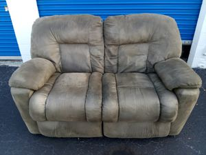 Gray Recliner Loveseat for Sale in Tampa, FL