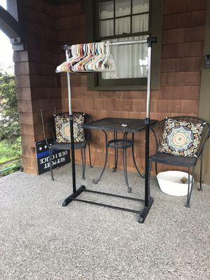Clothes rack. for Sale in Tacoma, WA