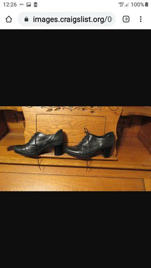 CLARKS LADIES ACTIVE AIR SHOES--BLACK for Sale in Lynchburg, VA