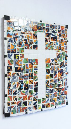 20x16 ORIGINAL SIGNED MOSAIC TALAVERA CROSS WALL HANGING. TILE, MORTAR AND WOOD. READY TO HANG. for Sale in Cincinnati, OH