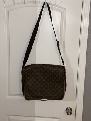 Louis Vuitton messenger bag for Sale in American Canyon, CA