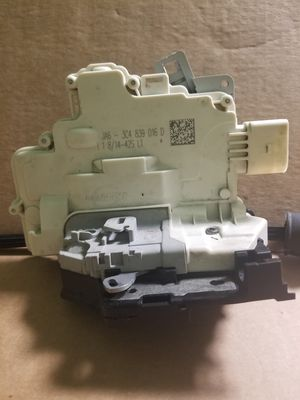 2007 to 2015 Audi Q7 Rear Right Door Latch Assembly OEM Part # 3C4 839 016 D for Sale in Gurnee, IL
