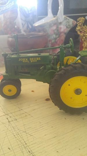 Vintage John deer metal tractors for Sale in Lancaster, CA