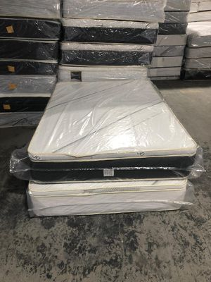 Queen pillowtop mattress with boxspring for Sale in Gardena, CA