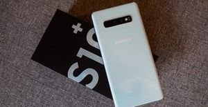 Samsung Galaxy S10 plus for Sale in Willoughby, OH