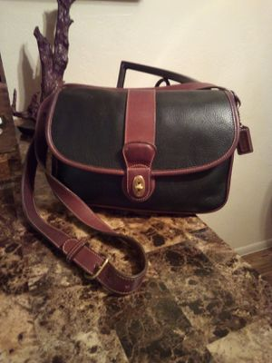RARE Vintage Coach black and british tan pebbled leather turnlock front flap medium Sheridan messenger crossbody shoulder bag purse designer handbag for Sale in Phoenix, AZ