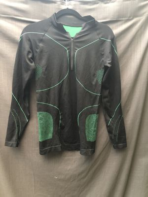 Black & green workout jacket has vented areas unknown brand has compression to it men's medium for Sale in Portland, OR