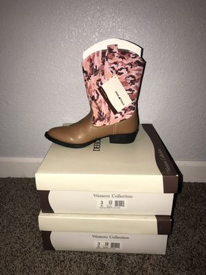 Girls Size 3 NEW Cowboy boots Pink Tan Camouflage Never Worn for Sale in Casper, WY
