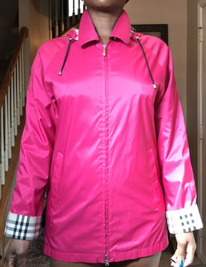Burberry Pink Raincoat with the detachable hood and novacheck lining for Sale in Washington, DC