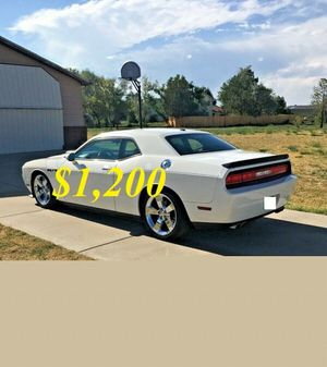 🌺$1,2OO Selling🌺 2009 Dodge Challenger🌺 very nice🙏🏼 for Sale in Detroit, MI