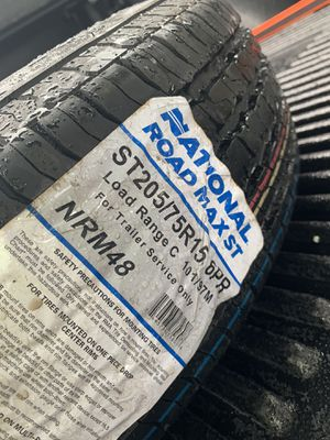205 75 15 Trailer wheel and tire for Sale in Sunrise, FL