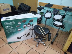 SIMMONS SD350 DRUM SET W/ ADJUSTABLE CHAIR for Sale in Miami, FL
