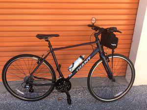 Giant hybrid bike for Sale in St. Petersburg, FL