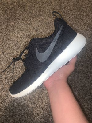 NIKE ROSHE RUN for Sale in Irvine, CA