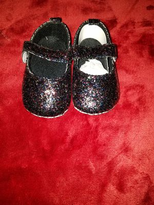 Infant Glitter baby doll crib shoes $7 for Sale in Ferguson, MO