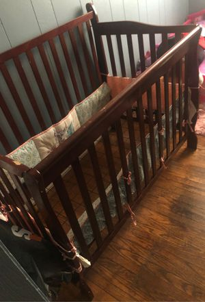 Changing Table & Adjustable crib/daybed for Sale in Collingdale, PA