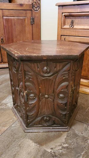 End Table with Storage for Sale in Fountain Hills, AZ