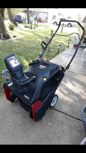 """Craftsman 21"""" Inch 4-Cycle Snowblower W/Electric Start for Sale in Aurora, IL"""