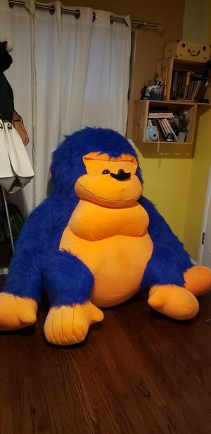 GIANT STUFFED ANIMAL for Sale in Whittier, CA