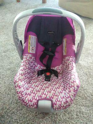PRICE DROP!! Infant Car Seat for Sale in Yakima, WA