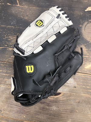 "Wilson A0350 TR115 A350 11.5"" Baseball Glove, Youth, RHT, Black Gray for Sale in Aurora, CO"