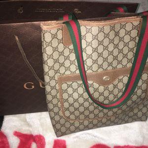 Gucci BIG Bag for Sale in Franklin Park, IL