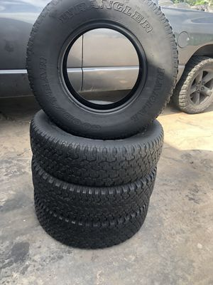 Tire set 235/75/15 for Sale in Houston, TX