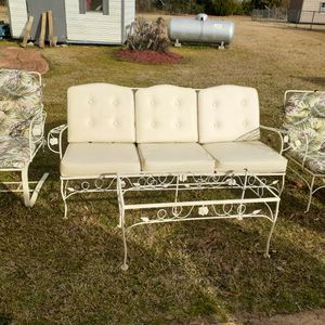 4pc Patio Set Need Cushion for Sale in Montgomery, AL