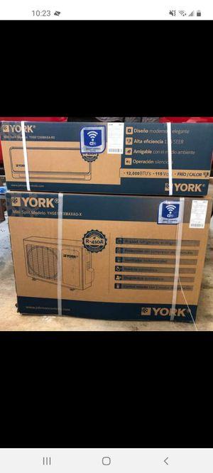 12,000 BTU Mini Split A/C and Heater for Sale in El Cajon, CA