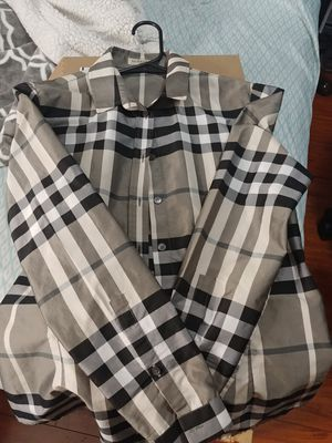 Burberry T-shirt for Sale in Seattle, WA