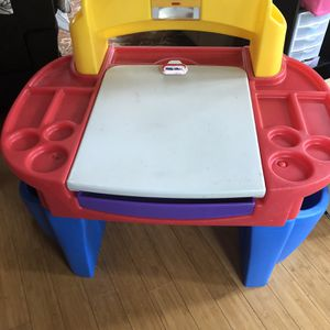 Little Tikes desk and chair for Sale in Pasadena, MD