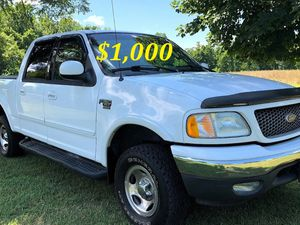 🔑💲1,OOO For sale URGENT 🔑2OO2 Ford F-15O Super Crew Cab 4-Door Runs and drives very smooth Clean Title Excellent condition🔑🔑🔑 for Sale in LOS ANGLS Air Force Base, CA