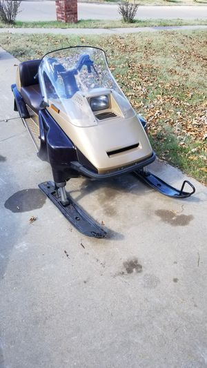 1986 Yamaha Inviter CF300 Snowmobile for Sale in Midlothian, TX