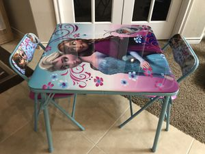 Disney frozen folding table and chairs for Sale in McKinney, TX
