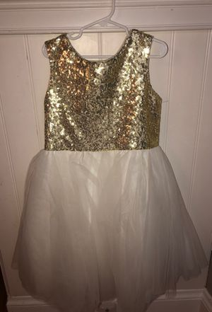 Flower girl size 4 dress for Sale in Saugus, MA