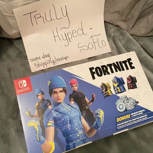Nintendo Switch Fortnite Edition with Yellow and Blue Joy-Con for Sale in Fort Lauderdale, FL