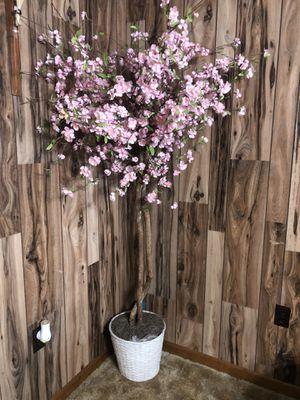 Artificial árbol $10 for Sale in Gonzales, LA