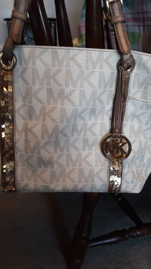 MICHAEL KORS BAG for Sale in Creve Coeur, IL