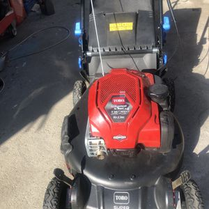 Lawn Mower Toro 7.25 163cc Máquina De Cortar Sacate for Sale in Los Angeles, CA