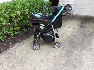 Graco travel set ( stroller , car Seat& base) for Sale in Arlington, VA