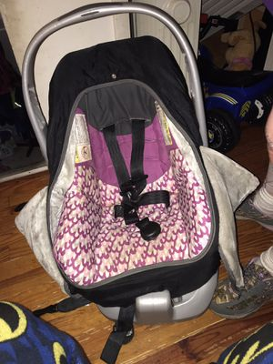 Infant car seat for Sale in Moscow, PA