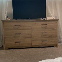 Dresser for Sale in Tacoma,  WA
