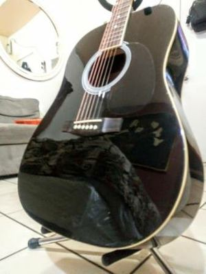 Beautiful Acoustic Guitar in Excellent Condition for Sale in Los Angeles, CA