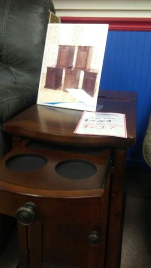 Ashley power end table for Sale in Uniontown, PA